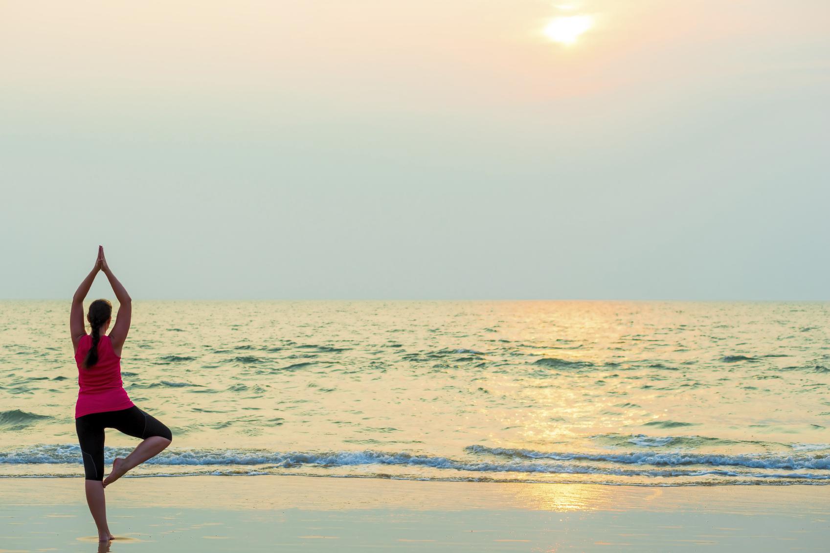 Девушки йога фото на пляже